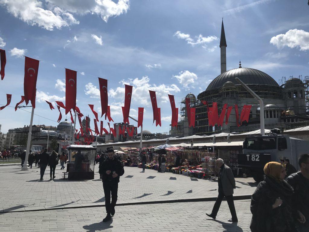 タクシム広場の一角