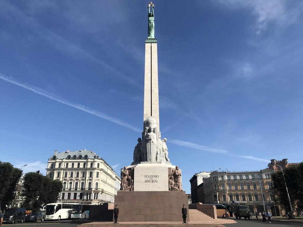 リガ 自由の記念碑